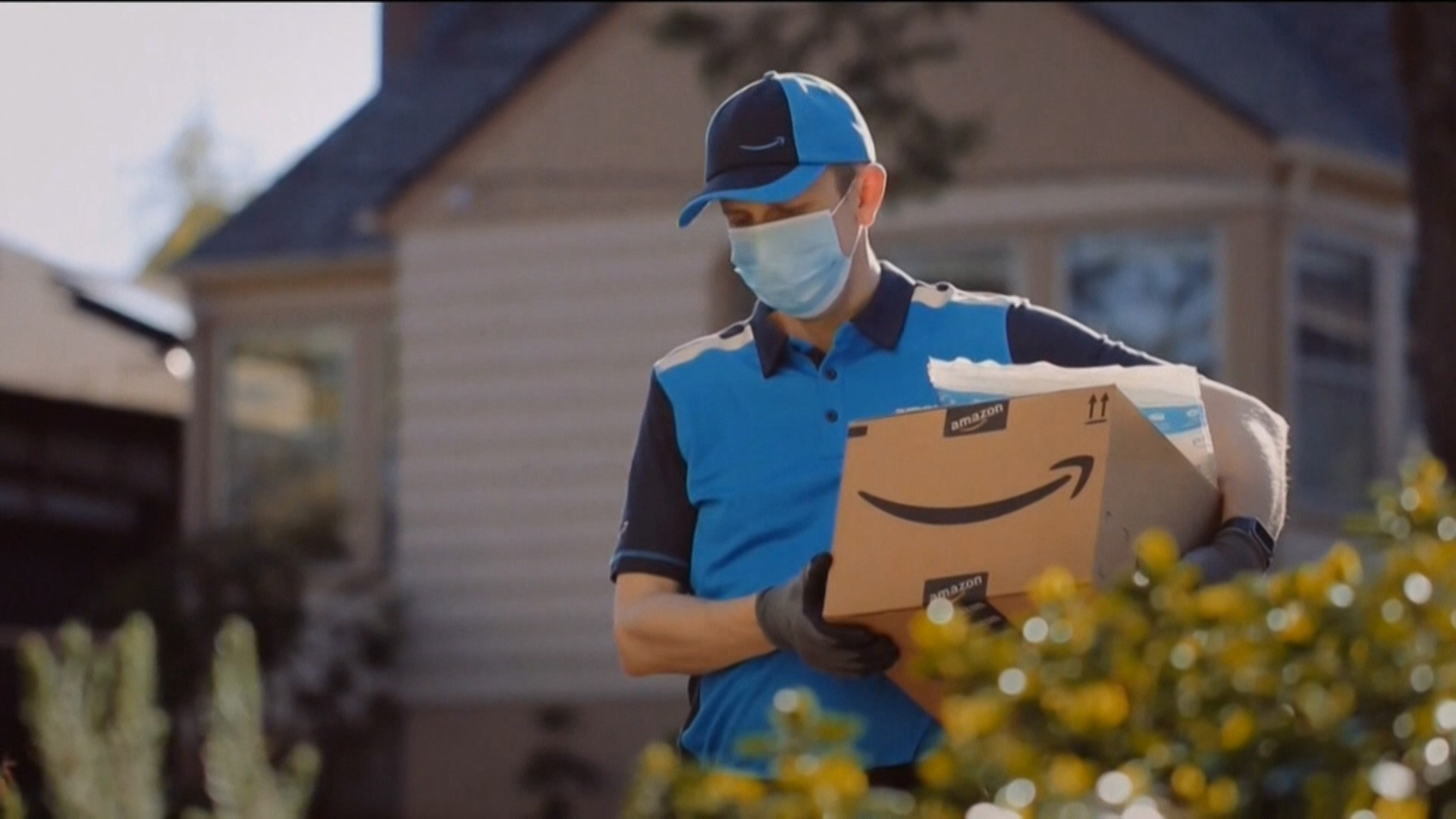 Amazon---Covid-19---Healthcare_category---NBC_-_May_8--2020---dtc---USA---English---TV_commercial---30_seconds.mp4